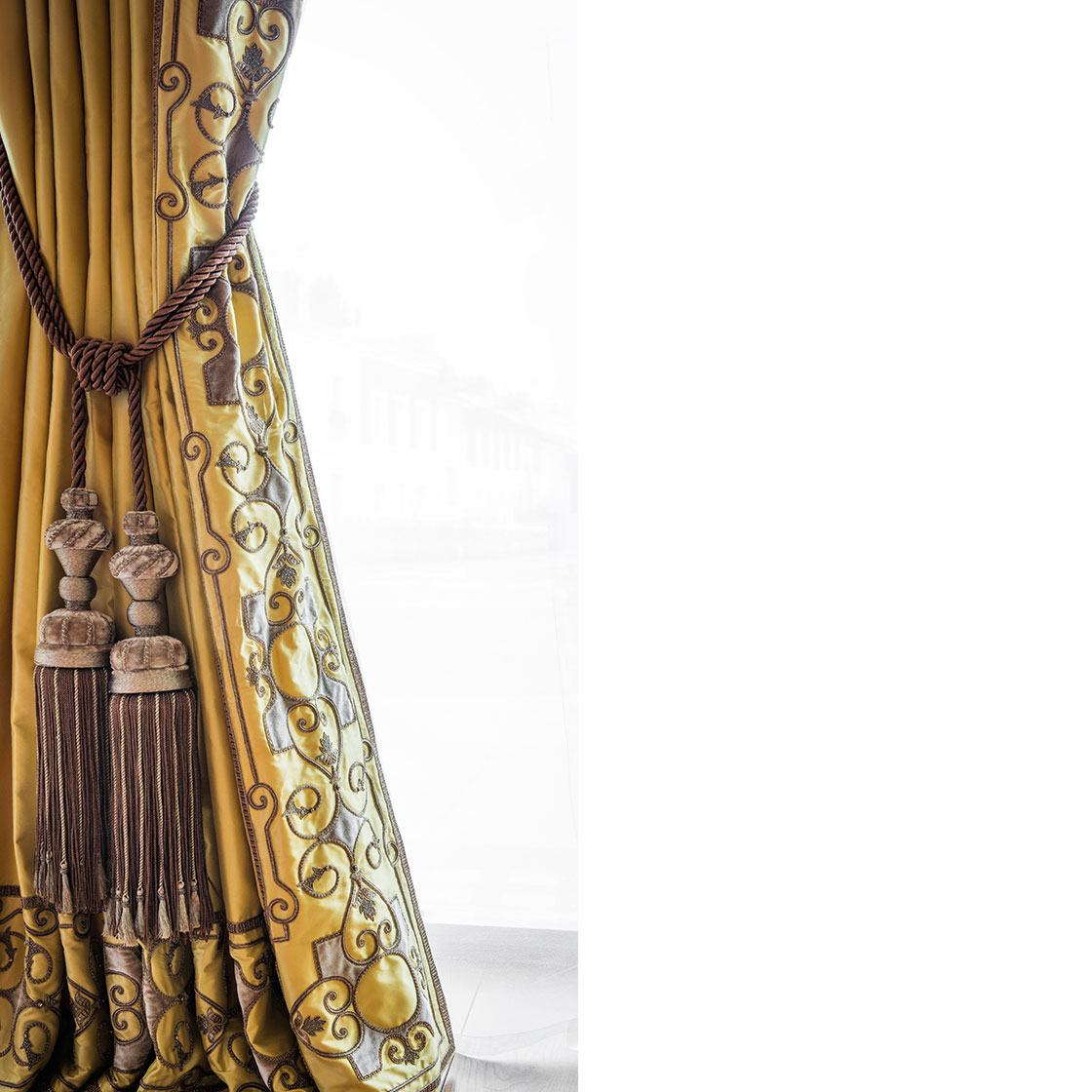 Cordoba - Cordoba Embroidered Curtain With Imogen Tie Back - Beaumont & Fletcher - Beaumont & Fletcher