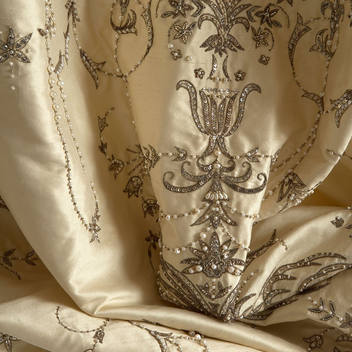 Fontainebleau On Silk Dupion Ivory