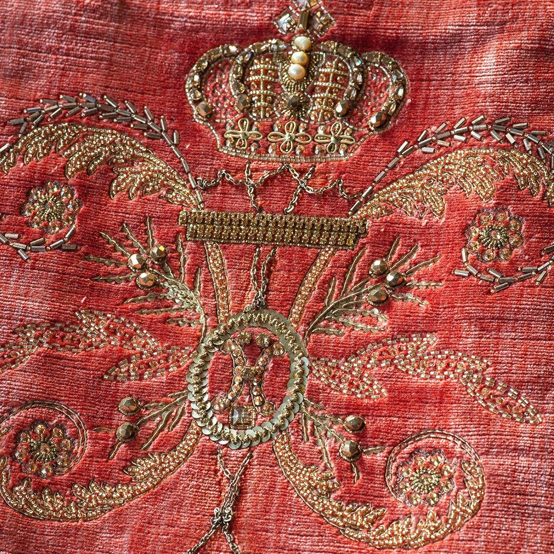Imperatore - On Como Silk Velvet Pompeiian Red - Beaumont & Fletcher - Beaumont & Fletcher