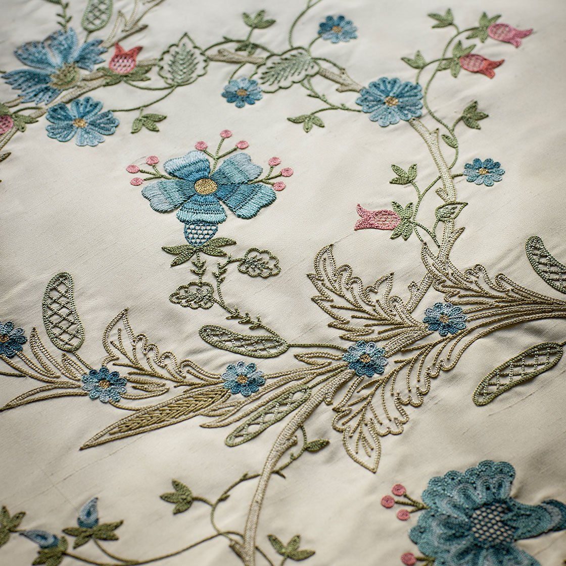 Octavia - Cornflower On Plain Silk Alabaster - Beaumont & Fletcher - Beaumont & Fletcher