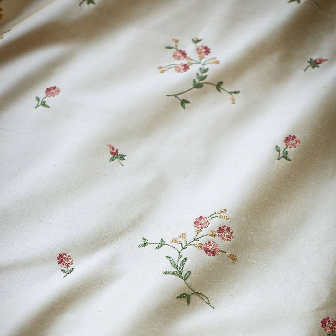 Octavia - Sprig On Plain Silk Alabaster - Beaumont & Fletcher - Beaumont & Fletcher
