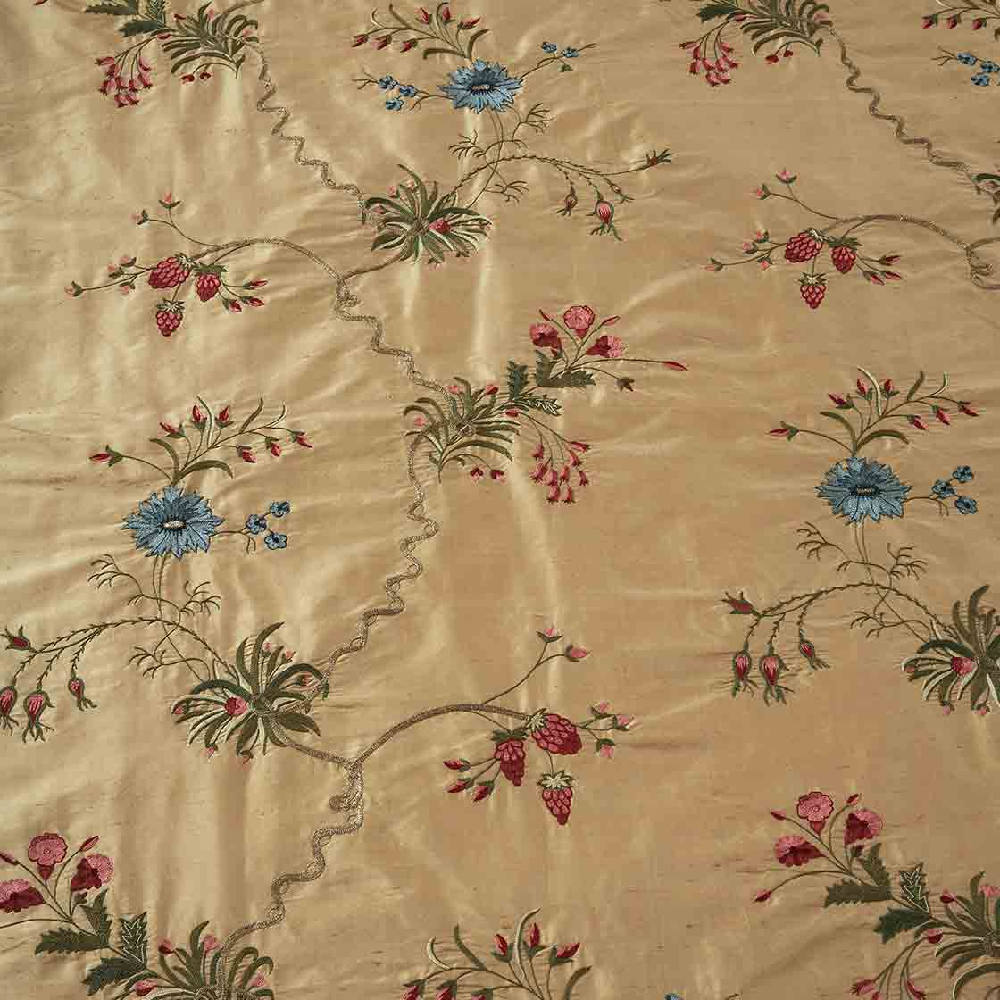 Spitalfields - On Plain Silk Albaster Gold - Beaumont & Fletcher - Beaumont & Fletcher