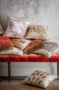 Couture cushions group