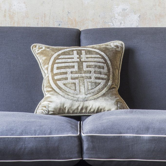 Double happiness cushion on Capri velvet - French grey